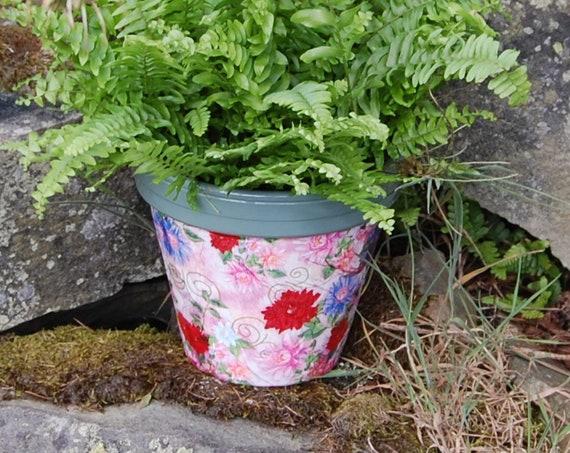 Pink & Red Dahlia Flowers Terracotta Flower Plant Pot - Garden Gift - Housewarming - Decor - Planter - Gardener