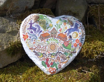 Vintage Tapestry Medieval Embroidery Country Slate Heart Hanger - Hanging Heart  - Garden Decor - Decorative Sculpture, Shabby Chic