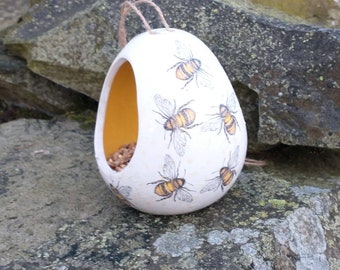 Busy Bees Two Tone White and Yellow Ceramic Wild Bird Seed Feeder  - Gardening Gifts - Scottish Gifts - Birds - Apple - Balls - Suet