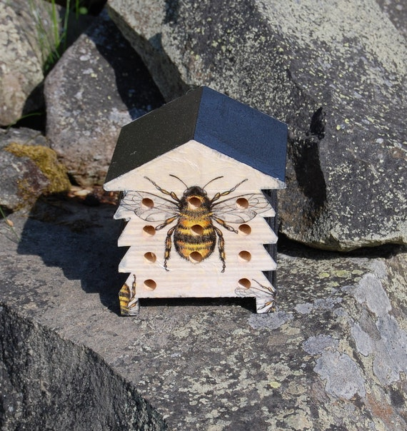 Bee Bumblebee Honeybee  - Wooden Bee Hive House - Insect House - Bug Hotel - Bee House - Gardening Gifts - Garden - Scottish Gifts