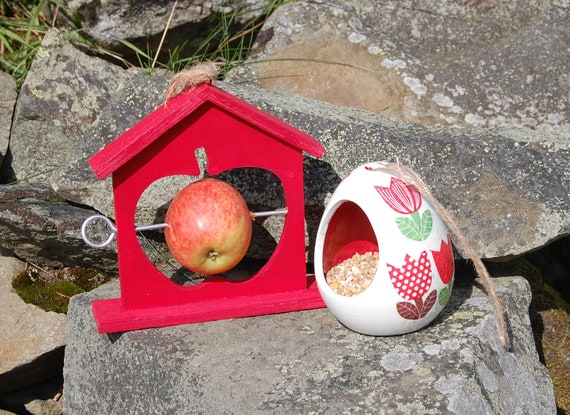 Red Patchwork Tulips Bird Feeder Gift Set Ceramic Wild Bird Seed Feeder & Fruit Fat Ball Feeder, garden, gardening, bundle