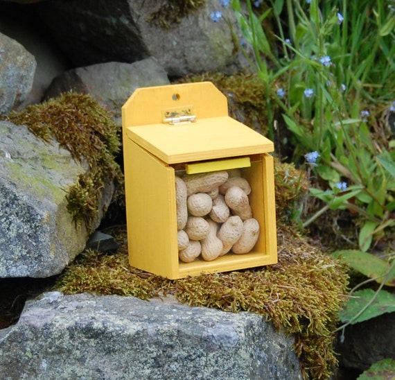 Mustard Yellow  Wooden Squirrel Feeder - Gardening Gifts - Scottish Gifts - Garden - Furry Friends - Nuts - Wildlife