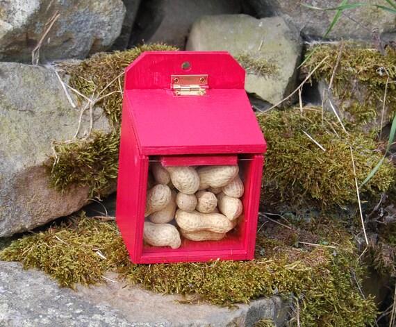 Red Wooden Squirrel Feeder - Gardening Gifts - Scottish Gifts - Garden - Furry Friends