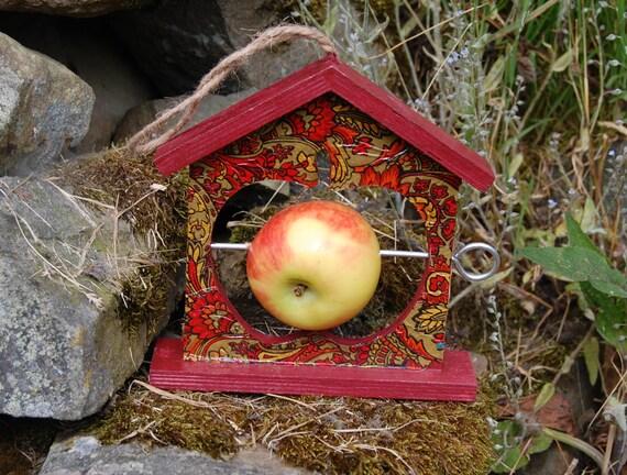 Retro Orange Burgundy Gold Wooden Bird Feeder - Gardening Gifts - Scottish Gifts - Birds - Apple - Balls - Gardener - Nature - Garden