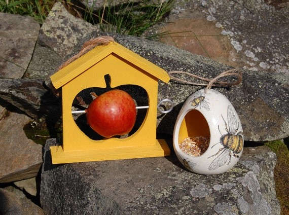 Busy Bees Mustard Yellow Bumble Bee Bird Feeder Gift Set Ceramic Wild Bird Seed Feeder & Fruit Fat Ball Feeder, garden, gardening, Bundle