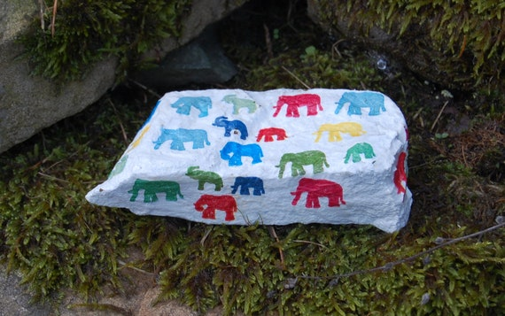 Bright Rainbow Elephants, Garden Art, Garden Stone, Stepping Stone, Garden Decor, Decorative Sculpture, Natural Stone, Door Stop Paperweight