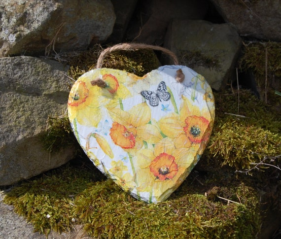 Yellow Daffodils and Butterfly Slate Heart Hanger - Hanging Heart  - Garden Decor - Decorative Sculpture, Shabby Chic