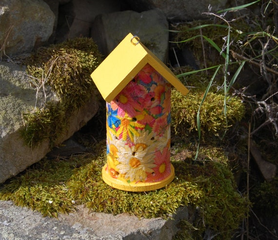 Yellow Daisy, Daisies, Pink, White, Blue  Wooden Ladybird House Hotel - Ladybug - Insect House -  Gardening Gifts - Scottish Gifts