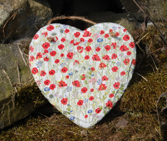Poppies Wildflower Meadow Slate Heart Hanger - Hanging Heart  - Garden Decor - Decorative Sculpture