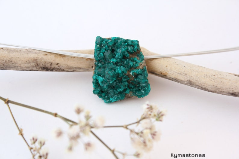 Raw dioptase in pendant image 0