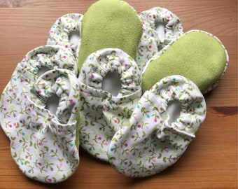 Flower Print Handmade Baby Booties, Cotton Baby Shoes, Soft Baby Shoes