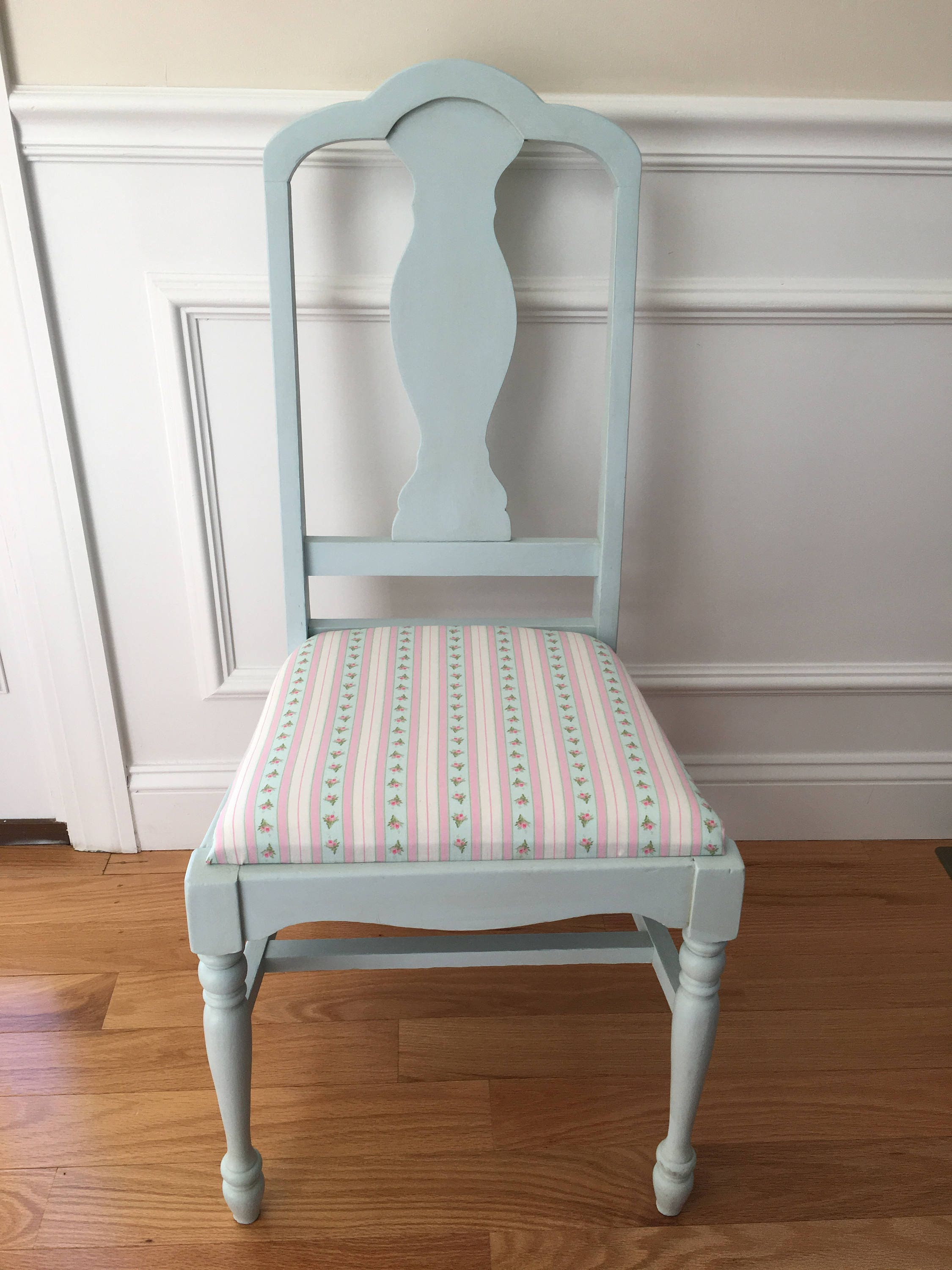 Fabulous Shabby Chic Chairs Shabby Chic Decor Vintage Chairs Antique Chairs Shabby Chairs Blue Shabby Chairs Home Decor Office Chairs Download Free Architecture Designs Terstmadebymaigaardcom