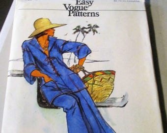 1970's Vogue Pattern 8924, Size 12,  Misses' Top And Pants, Uncut, factory folded