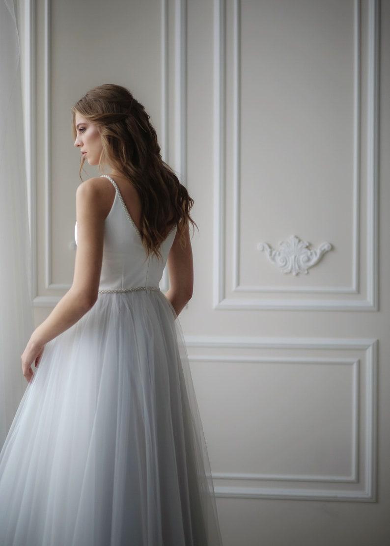 Einfache Hochzeitskleid, bereit, Tüll Brautkleid Ocean Dream, offene zurück  Hochzeitskleid, staubige hellgrau Tüll Brautkleid, Straps Kleid