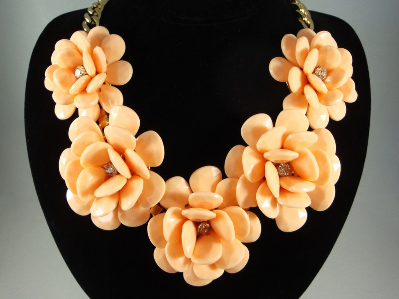 Peach Flower Lucite Necklace Lucite Flower Necklace Plastic Flower Necklace Flower Bib Necklace Vintage Lucite and Rhinestone Necklace