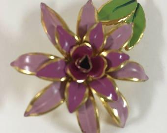 Vintage hand painted flower brooch