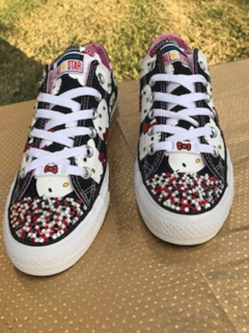 7cd09d029f2435 Converse Chuck Taylor All Star Lo Hello Kitty® Sneaker Bling