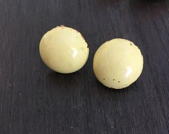 1950's Mod-Yellow Clip-on earrings