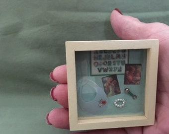 Miniature baby shadowbox, Baby shadowbox