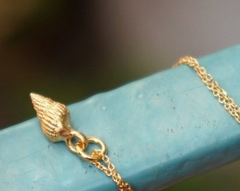 Necklace For Women Real Sea Shell 14k Gold on sterling silver. Sea shell Tiny Pendant with chain