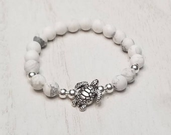 White Howlite Turtle Stretch Bracelet | Howlite Jewelry | Howlite Bracelet | Turtle Jewelry | Ocean Jewelry | Beach Jewelry | Turtle Lover