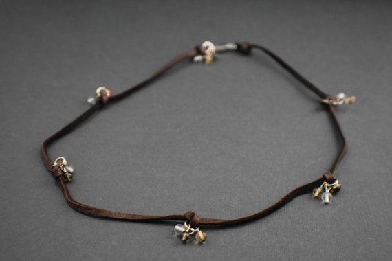 sito affidabile e5724 039c6 In pelle Collana - pelle di daino - perline di vetro e fermaglio in argento