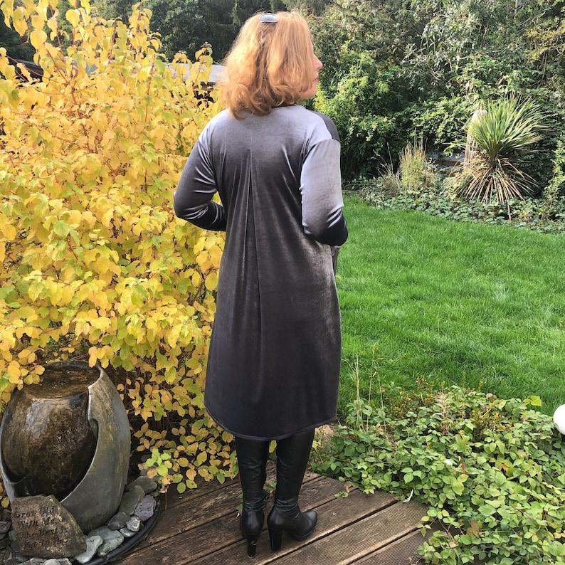 l1102/_graphite Plus Size Velvet Swing Dress Long Sleeve Front Pockets Widened Back