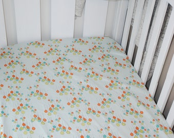 Fitted Cot Sheet (balloon print)
