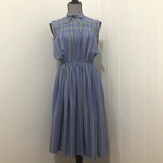 1940's Cotton Smocked & Embroidered Day Dress - image 2