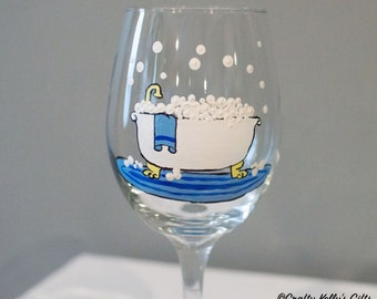 "Custom Wine Glass ""Worlds Best Mom"" Stem Or Stemless Mothers Day Gift Christmas"