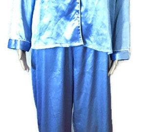 199f6055f Victoria Secret Satin feel Pajama Sets