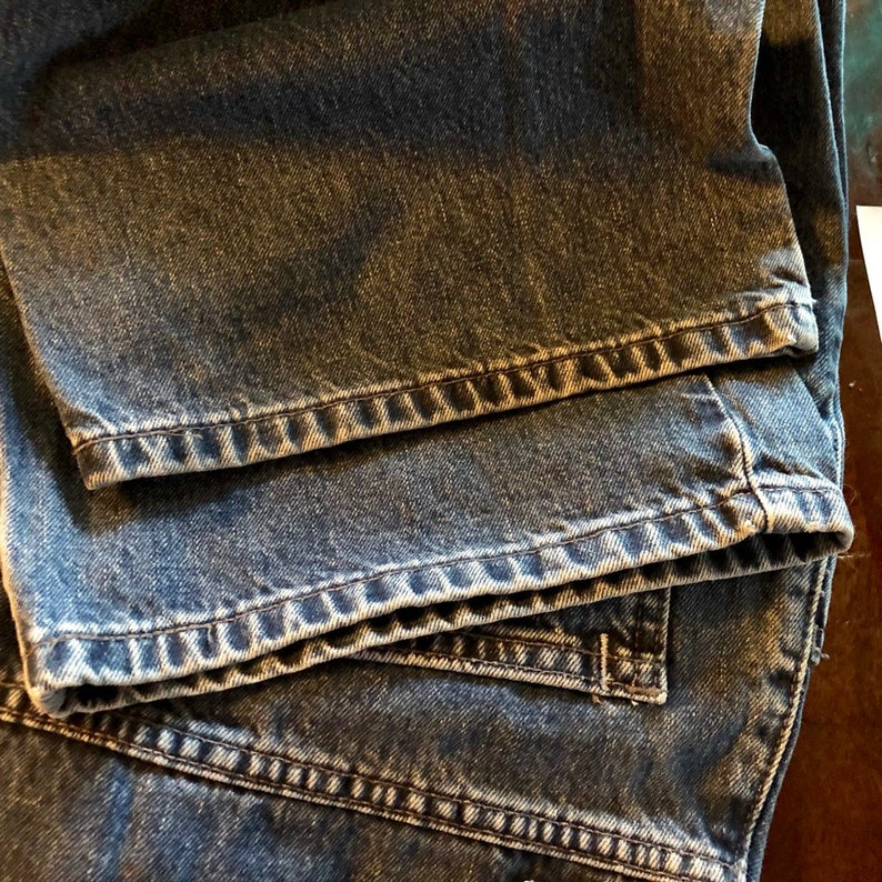 Care Tab Oversized fit,Denim Jeans Great Vintage Condition High Rise fit No Rips,Tears or Stains Vintage Levi/'s W 33 L 30 Silver Tab