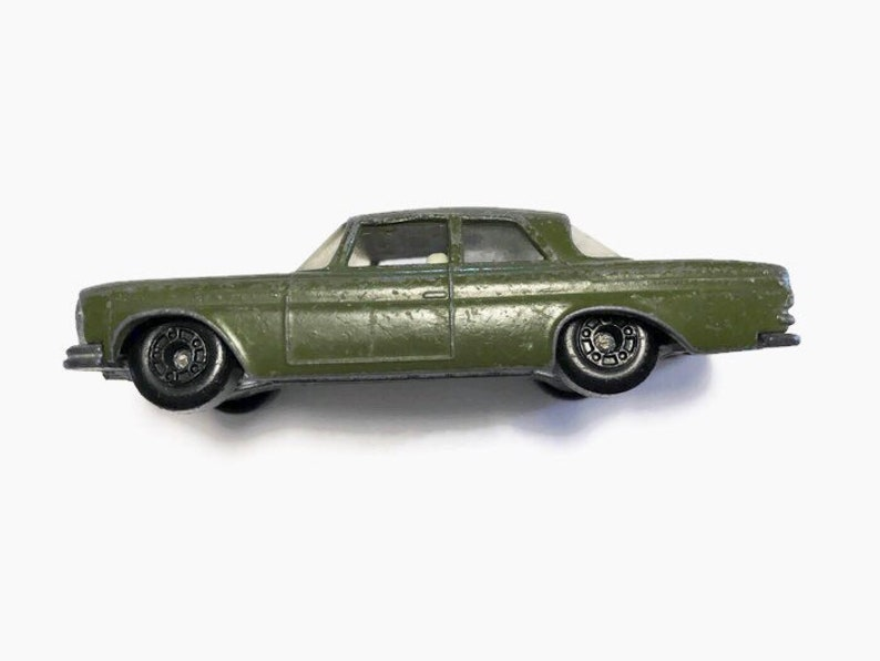 Matchbox Superfast Matchbox Lesney made in England Closed Boot trunk Mercedes 300 SE Olive Green issued in 1977
