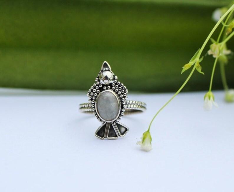 c09677206a59 Anillo de piedra lunar del arco iris, anillo de plata de ley 925, anillo de  piedra lunar oval, anillo de piedras preciosas