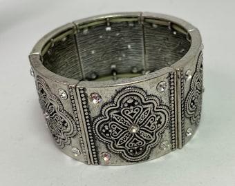 Silver Tone Panel Embossed rhinestone Stretch Bracelet