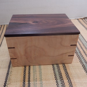 Spalted Maple keepsake box odds and ends box 229230