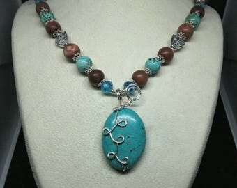 Magnesite and goldstone necklace