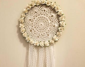 Lace Dreamcatcher, white roses