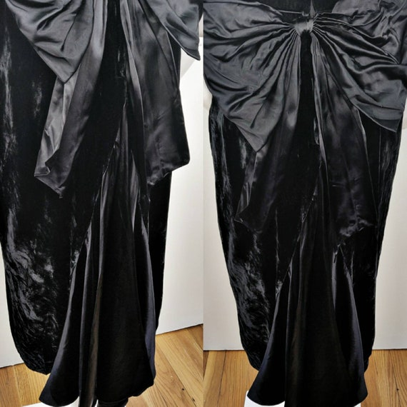 Vintage 1980s Gunne Sax Black Velvet Wiggle Dress… - image 4