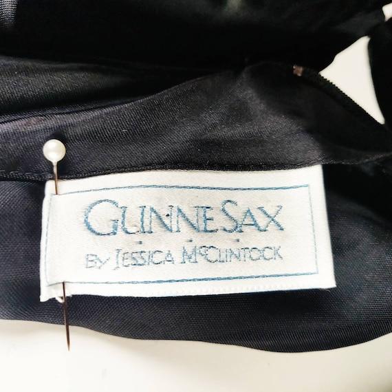Vintage 1980s Gunne Sax Black Velvet Wiggle Dress… - image 10
