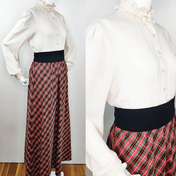 Vintage 1960s Red Black Satin Taffeta Check or Pla
