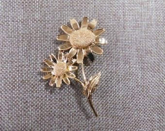 Large Gold Sunflower Brooch, Gold Plate Sunflower Pin, Gold Flower Brooch, Gold Flower Pin, Floral Jewelry, Sunflower Jewelry
