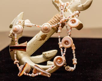 Trumpet Lisway Shell Necklace and Earring Set