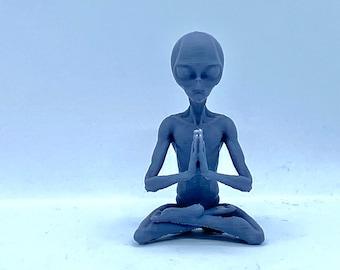 "Meditating Alien (3"") Various Poses"