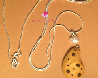 Necklaces with handmade biscuit-shaped pendants in Fimo