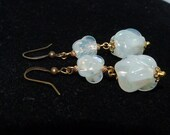 Pretty Vintage white opalescent pearlised moulded glass bead earrings - to match 1950s necklaces