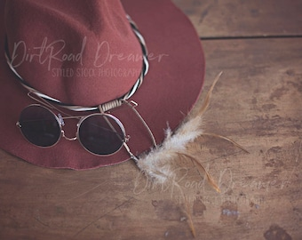 Download Free Boho Styled Stock Photography Mockup for Social Media, Blog Posts and Websites | Digital Image | Feathers | Hippie Flare | Trendy | Creative PSD Template