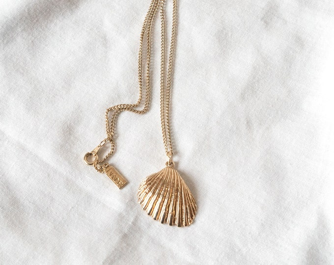 Tahlia Gold Dipped Scallop Shell Necklace