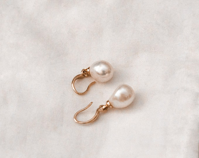 Featured listing image: Audrey Baroque Pearl Earrings in Gold