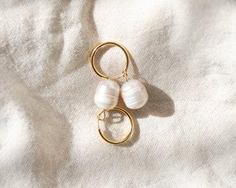 Mutiara Hoop Earrings